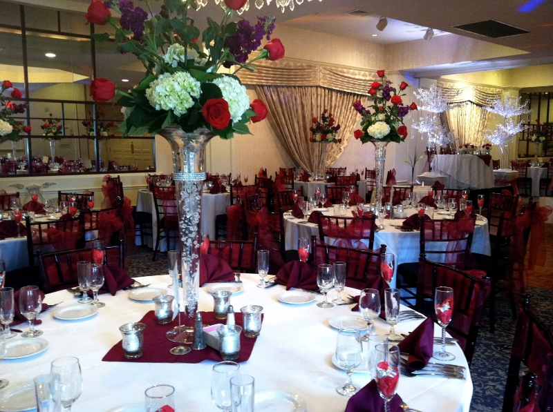 Red And White Wedding Flower Centerpieces Flowers Healthy
